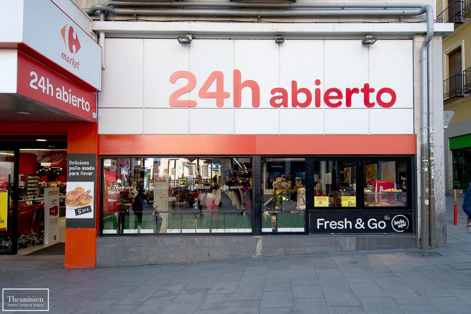 Reportaje fotografico exteriores de un piso de alquiler temporal en el centro de madrid.