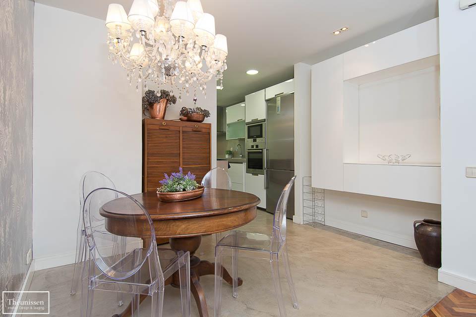 Preparamos el comedor de este piso para alquiler situado en una zona alta de Madrid