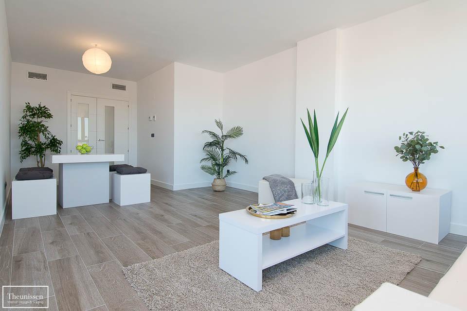 Estilismo inmobiliario realizado en este magnifico piso de alto standing en Madrid. Todos los muebles y los elementos decorativos y textiles son ofrecidos por Theunissen en regimen de alquiler durante el periode que el piso está en venta.