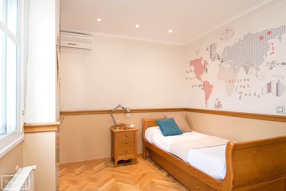 Lavado de cara dormitorio individual de un chalet en venta en Pozuelo de Alarcón en Madrid