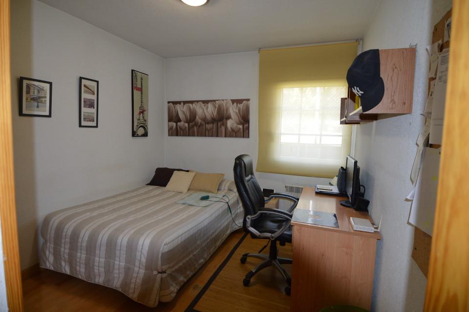 Home-Staging-chalet-habitado-alto-standing-Majadahonda-Madrid-dormitorio individual antes