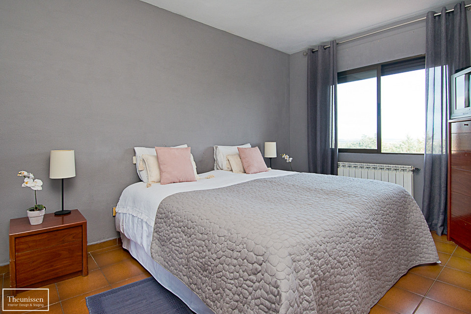 home-staging-chalet-habitado-Valdemorillo-Madrid-cocina-amarillo-gris-2 (2)