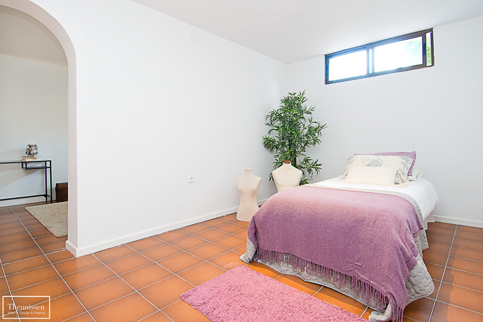 home-staging-chalet-habitado- sotano-planta-alta-dormitorio-Valdemorillo-Madrid