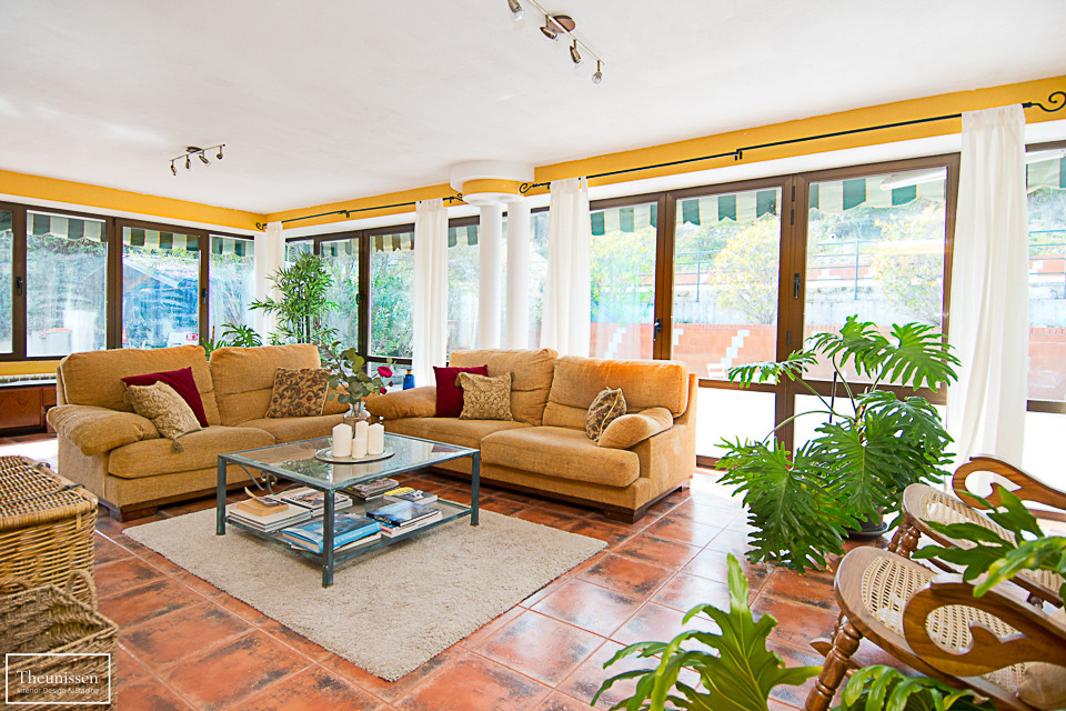 home-staging-terraza-cubierta-pantone2018-plantas-verdes