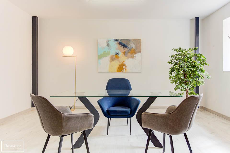 Home Staging realizado en una oficina piloto en un edidificio monumental en Ávila.