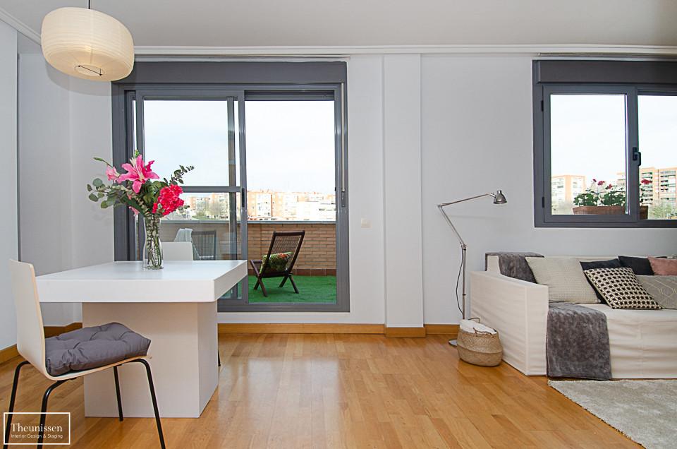 Home Staging piso vacío con muebles de alquiler en Peñagrande – Madrid