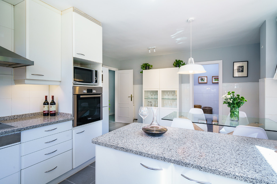 home_staging_cocina_chalet_las_rozas