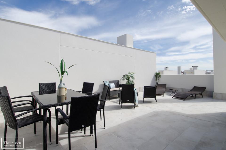 decorar-terraza-con-muebles-de-exteriores-de-alquiler