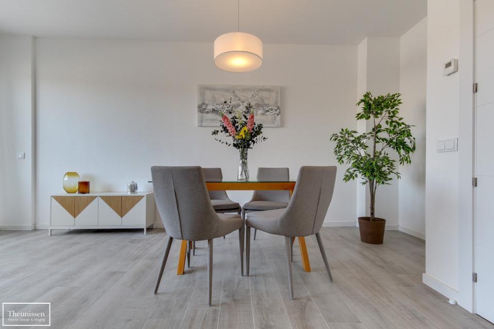 home-staging-muebles-de-comedor-de-alquiler