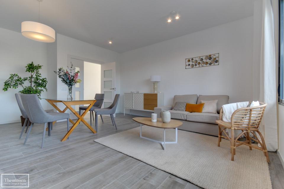 Home Staging piso piloto con muebles de alquiler Theunissen en Salamanca