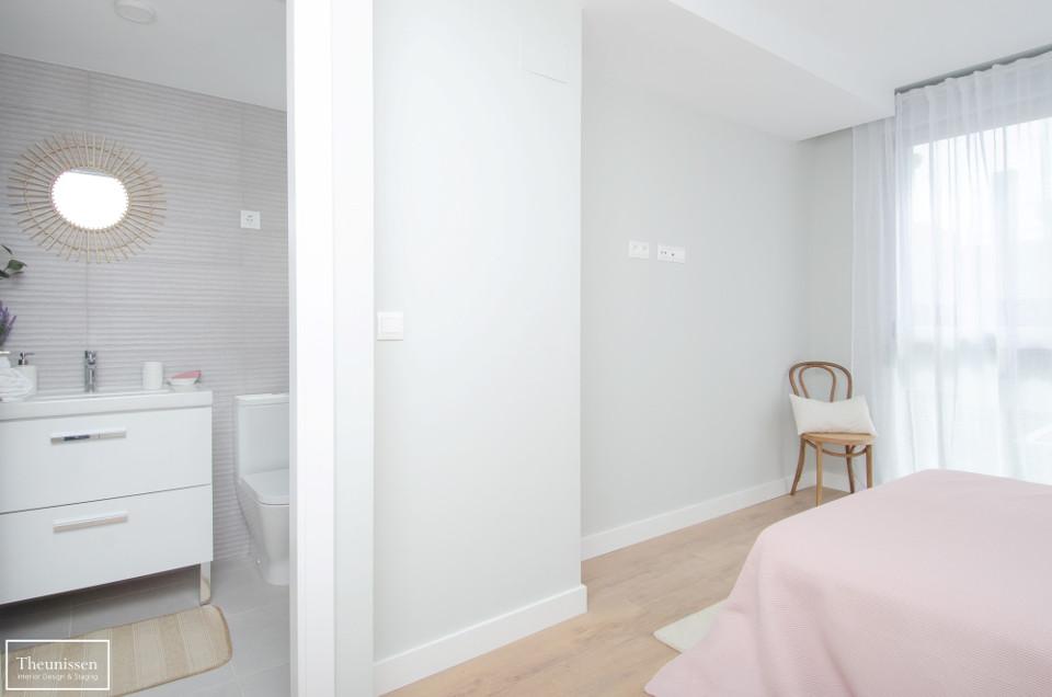 home_staging_dormitorio_manta_rosa